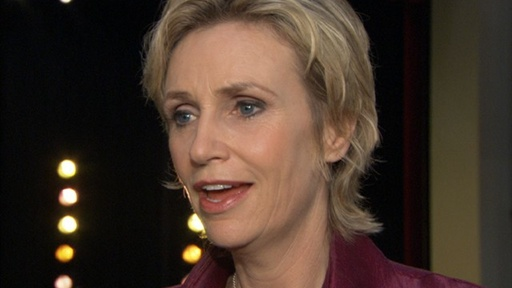 Jane Lynch&#39;s Message to Lindsay Lohan: &#39;Don&#39;t Take Things So Per Video