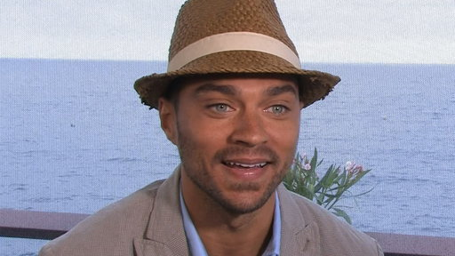 [Jesse Williams Dishes On 'Grey's Anatomy']
