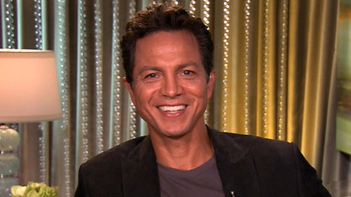[Benjamin Bratt Gives Tips for Onscreen Kissing & Whether He'll R]