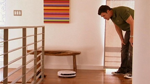 Zoila Vs. Roomba Video