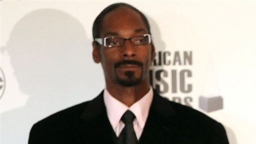 [Snoop Dogg: 'I Love' Michael Jackson's 'This Is It' Single]