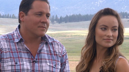 [Jon Favreau & Olivia Wilde Saddle up With 'Cowboys & Aliens'] Video